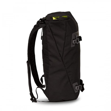 Lifeproof Quito 18L Backpack